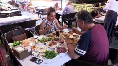 MERSİN - Asırlık dükkanda üç kuşaktır tescilli Tarsus kebabı yapıyorlar