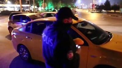 KARABÜK - Hem karantinayı hem de sokağa çıkma kısıtlamasını ihlal eden kişiye ceza