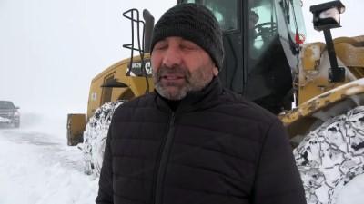 Muş'ta 5 metre karla mücadele
