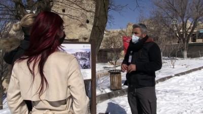 NEVŞEHİR - Kovid-19 salgınından olumsuz etkilenen turist rehberleri eski günlerini özlüyor