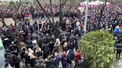 ERİVAN - Ermenistan'da muhalefet yanlılarından gösteri