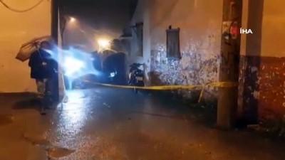 İzmir'de damat katliamı: Eşini ve kayınvalidesini öldürüp, komşuyu yaraladı
