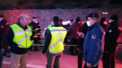 Yolcu otobüsü ile otomobil çarpıştı: 3 ölü, 11 yaralı