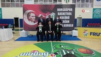 Frutti Extra Bursaspor Başkanı Sezer Sezgin güven tazeledi