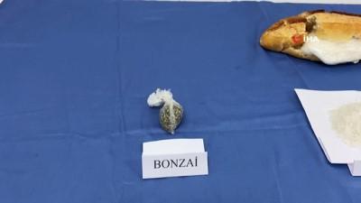 'Ekmek arası uyuşturucu' jandarmanın dikkatinden kaçmadı