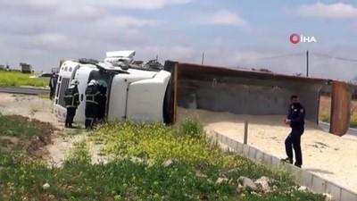 Gaziantep'te 2 tır çarpıştı: 2 yaralı