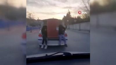 Arnavutköy'de pes dedirten varil taşımacılığı tehlike saçtı