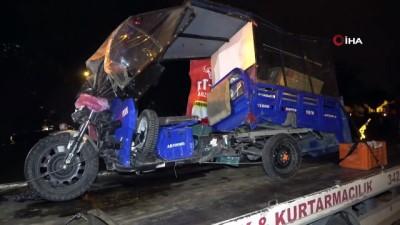 Boş yolda kırmızı ışık ihlali yapan motosikletli kazaya neden oldu: 1'i ağır 3 yaralı