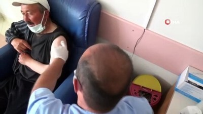 Afyonkarahisar'da Covid-19 aşısına yoğun ilgi