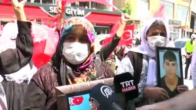 ŞIRNAK - Terör mağduru aileler HDP İl Başkanlığı önünde eylem yaptı