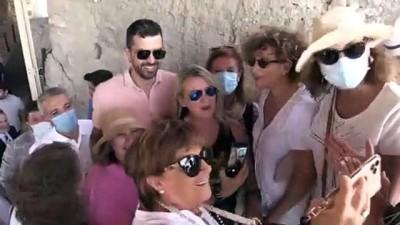 MALATYA - Anadolu Efes'in Hırvat oyuncusu Krunoslav Simon'a fahri hemşehrilik beratı verildi