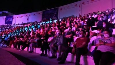 ADANA - 'Yaza Merhaba' konserleri devam ediyor