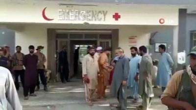 - Pakistan'da yolcu otobüsü devrildi: 18 ölü, 30'dan fazla yaralı