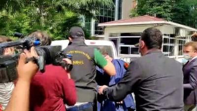İSTANBUL - Kayıp kişinin cesedinin kuyuda bulunmasına ilişkin gözaltına alınan 4 zanlı adliyeye sevk edildi