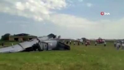 - Rusya'da uçak düştü: 9 ölü, 15 yaralı