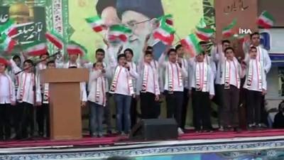 - İranlılar, Reisi'nin seçim zaferini kutluyor