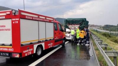 BURSA - Tıra çarpan otomobilin sürücüsü hayatını kaybetti