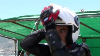 - Afyonkarahisar'da motosikletli polis timi eğitimleri sürüyor