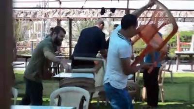 GAZZE - Konyalı çift düğün yemeğini Gazze'de verdi