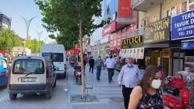 KIRŞEHİR - İç Anadolu'da kademeli normalleşmenin üçüncü etabının başlamasıyla cadde ve sokaklarda yoğunluk oluştu