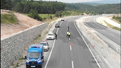 BİLECİK - Jandarmadan drone ile trafik denetimi