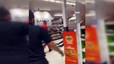 - İngiltere'de örümcek adam kostümlü şahıs süpermarkettekilere saldırdı