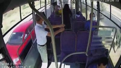 SİİRT - Halk otobüsü şoförü, rahatsızlanan kadını güzergah değiştirip hastaneye ulaştırdı