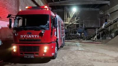 KAHRAMANMARAŞ - Yem fabrikasında çıkan yangın söndürüldü