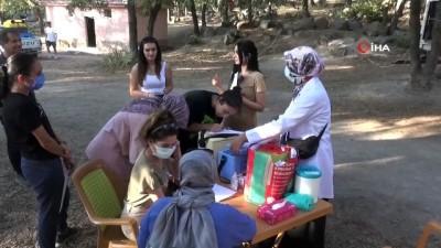 Kamptaki öğrenciler dağda aşılarını yaptırdı