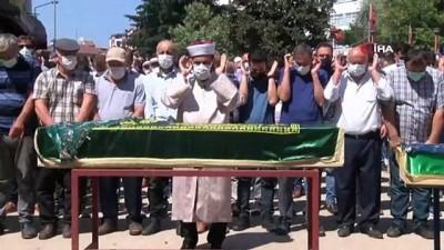 14 yaşındaki çocuğun katlettiği aileye cenaze töreni düzenleniyor