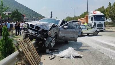 Sürücünün araçtan fırlayıp hayatını kaybettiği kaza güvenlik kamerasında